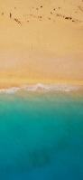 上から見たエメラルドの海と砂浜 iPhone 12 Pro スマホ壁紙・待ち受け