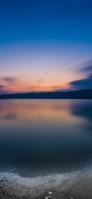 綺麗な青空と冷たい湖 iPhone 11 Pro Max スマホ壁紙・待ち受け