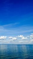 快晴の空 穏やかな海 iPhone SE (第2世代) スマホ壁紙・待ち受け