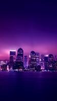 綺麗な高層ビル群の都会 紫 iPhone SE (第2世代) スマホ壁紙・待ち受け