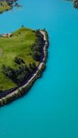 緑の海と離島 iPhone SE (第2世代) スマホ壁紙・待ち受け