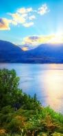 湖越しに見る風景 iPhone 11 スマホ壁紙・待ち受け