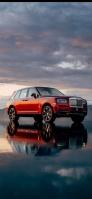 湖に鏡面して映り込む赤い車 Galaxy A30 Android 壁紙・待ち受け