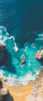 俯瞰視点で撮影した青い海と砂浜 Xperia 10 III Androidスマホ壁紙・待ち受け