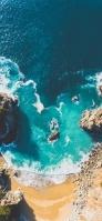 俯瞰視点 緑の海 砂浜 iPhone 12 スマホ壁紙・待ち受け