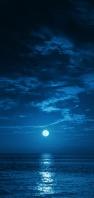 青い空と海と満月 AQUOS sense4 壁紙・待ち受け